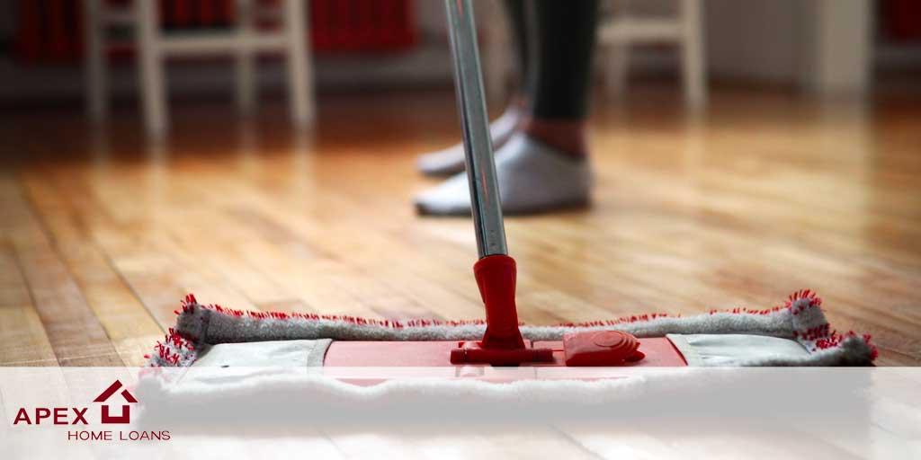 cleaning hardwood floor